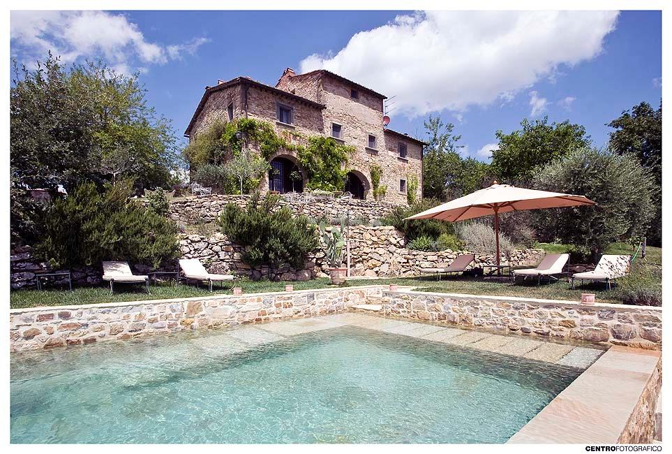 FARMHOUSE WITH POOL IN CHIANTISHIRE - TUSCANY luxury homes