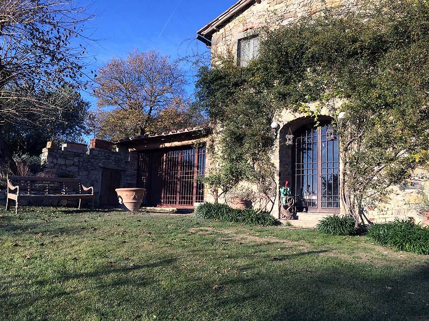 Luxury real estate FARMHOUSE WITH POOL IN CHIANTISHIRE - TUSCANY