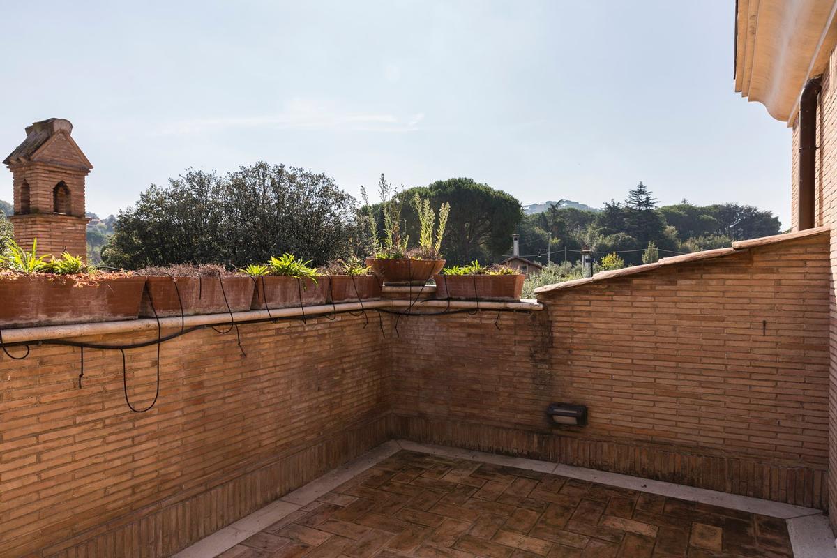 Luxury villa close to Rome mansions