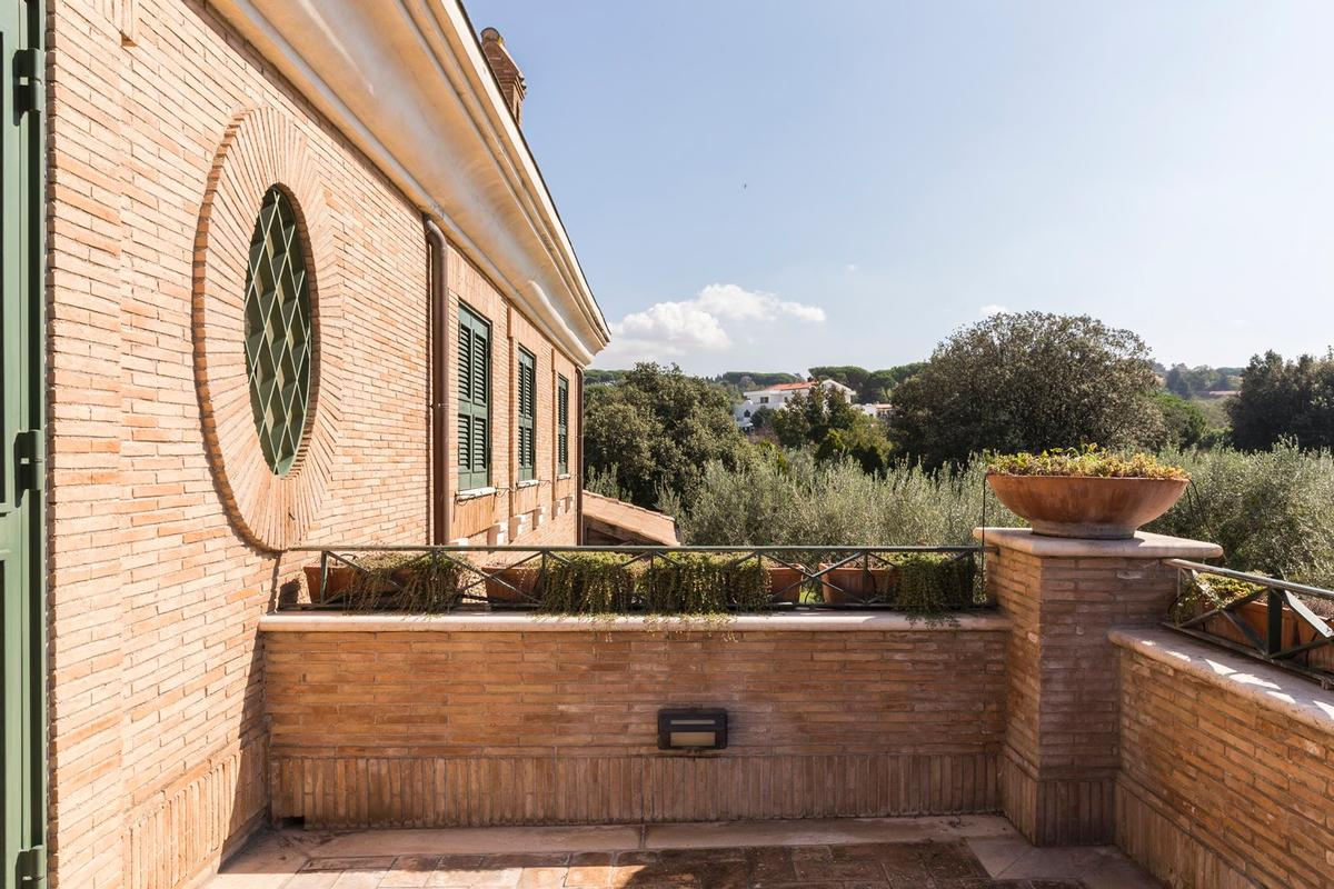 Luxury homes in Luxury villa close to Rome