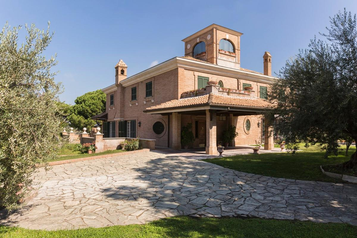 Luxury properties Luxury villa close to Rome