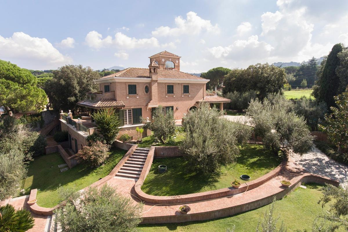 Luxury villa close to Rome luxury homes