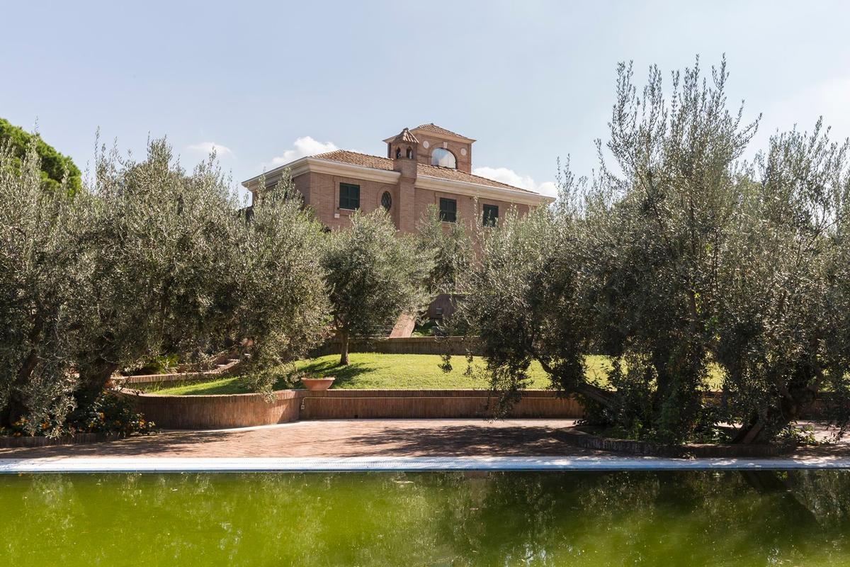Luxury villa close to Rome luxury real estate
