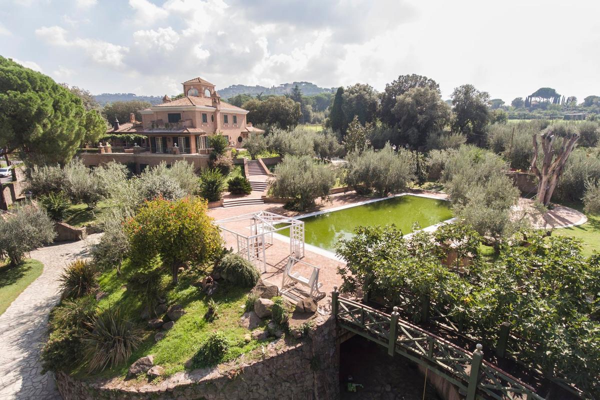Luxury properties Luxury villa close to Rome