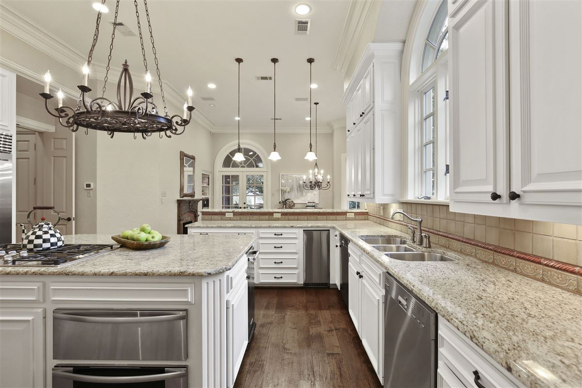 stately dallas residence luxury properties