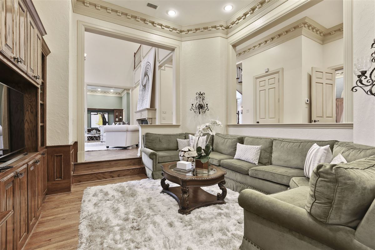 stately dallas residence luxury homes
