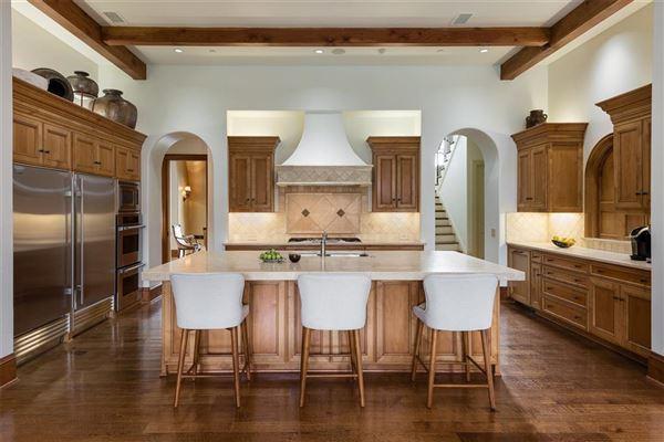 Luxury homes in Impressive Preston Hollow residence in quiet Lobello Estates