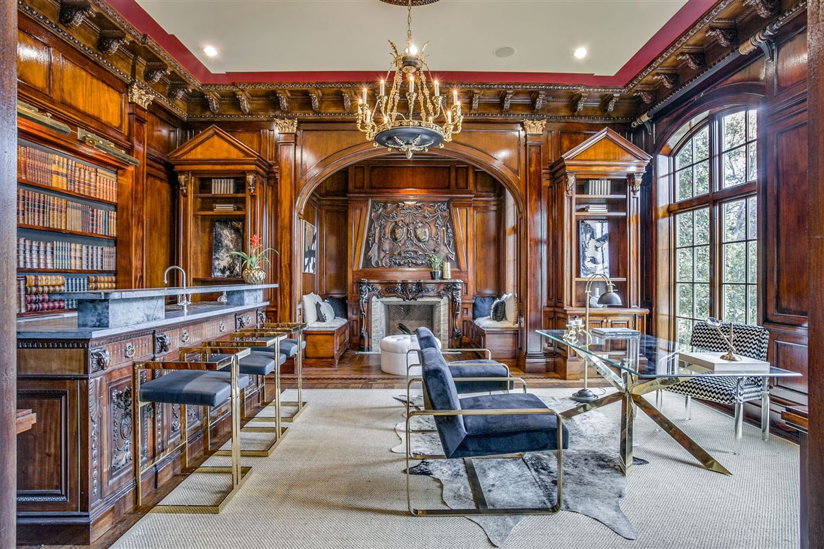everyday luxury and refinement in highland park luxury homes