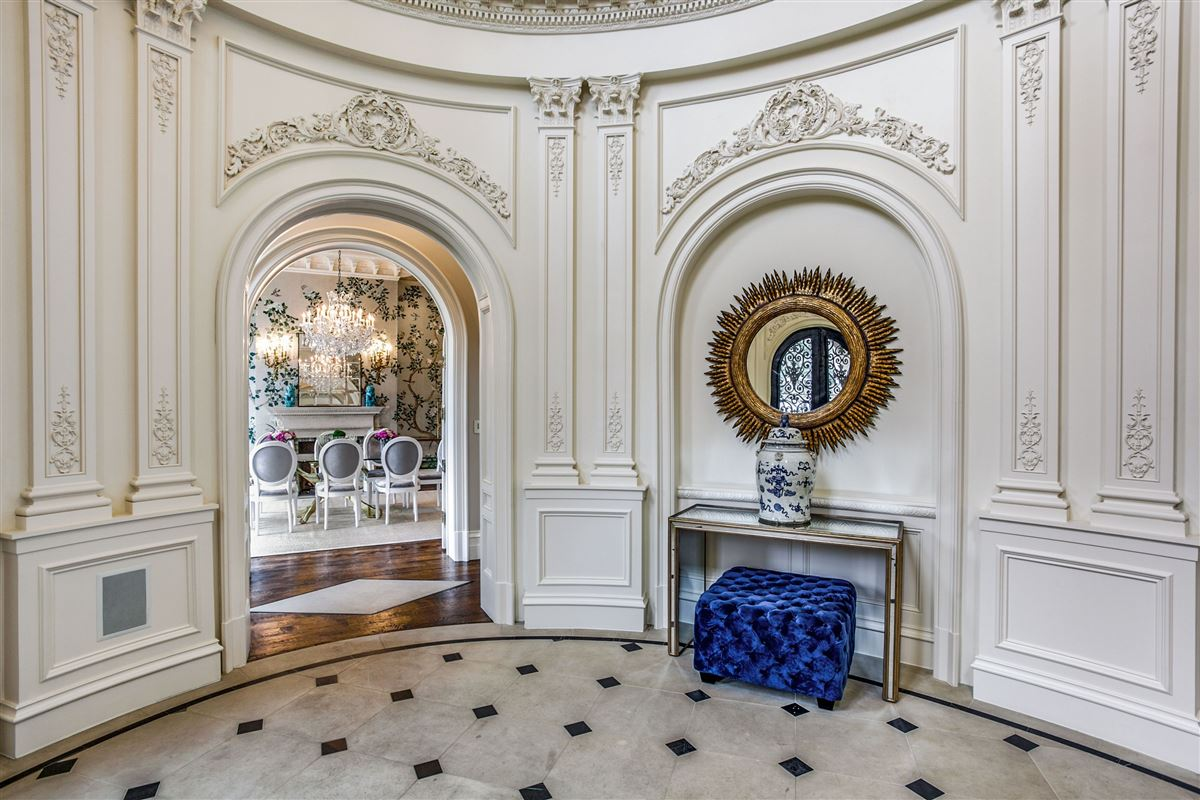 everyday luxury and refinement in highland park luxury real estate