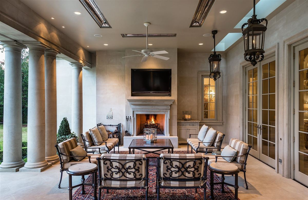 Luxury homes everyday luxury and refinement in highland park
