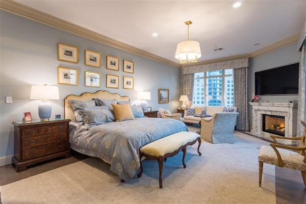 Luxury homes Rare three bedroom renovated residence at the Ritz-Carlton