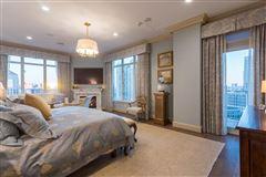 Rare three bedroom renovated residence at the Ritz-Carlton mansions
