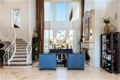 Luxury homes in Preston Hollow residence
