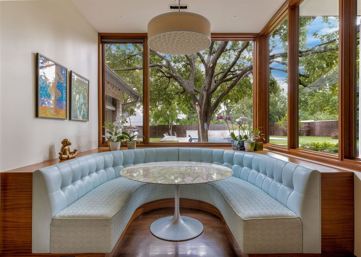 Modern Hill Country home in exclusive Hillcrest Estates luxury properties