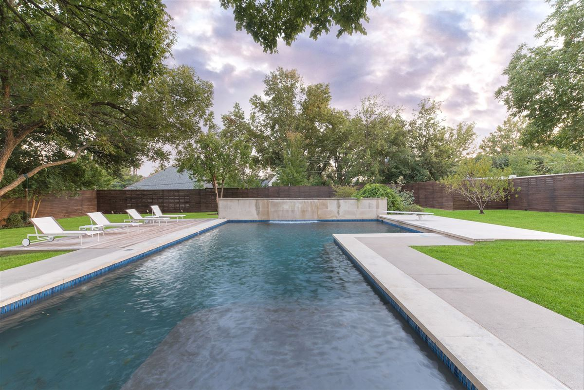 Modern Hill Country home in exclusive Hillcrest Estates luxury homes
