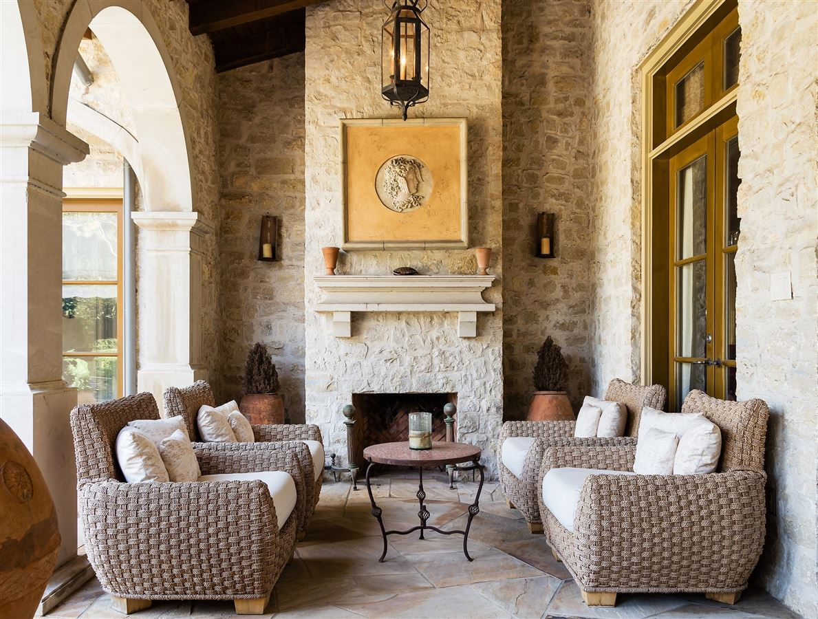 Authentic and exceptional Italian villa mansions