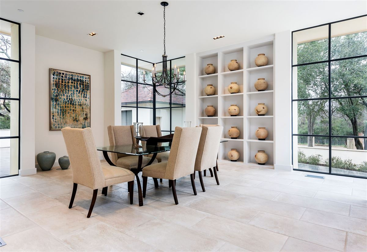 Mansions premier luxury living in Old Preston Hollow