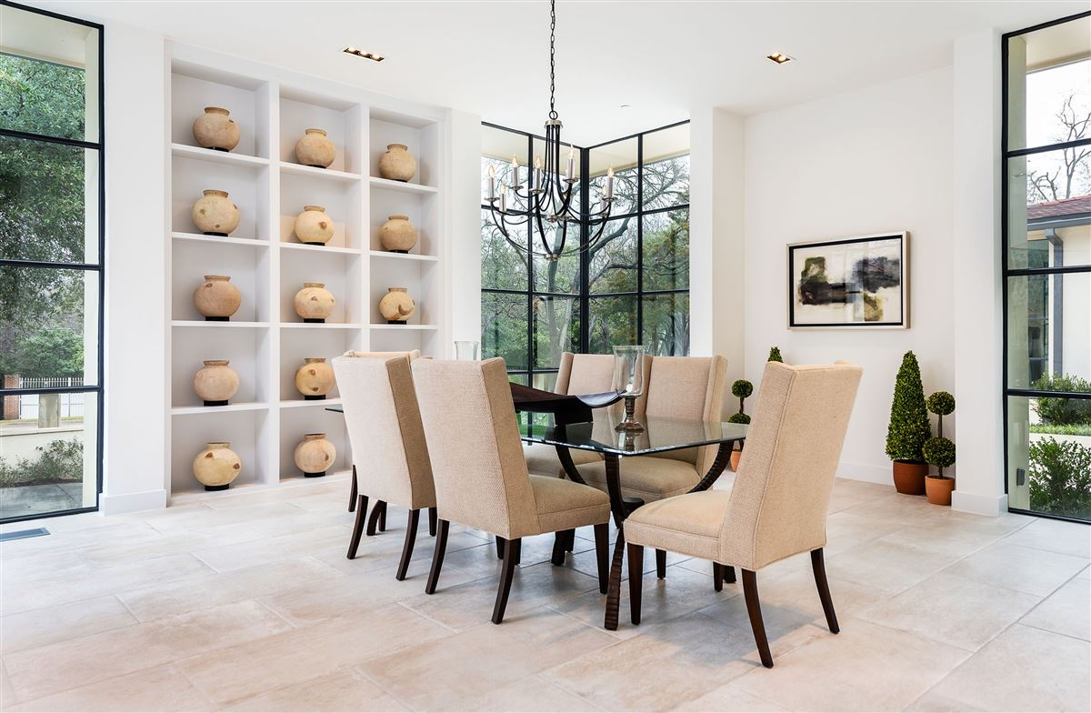 premier luxury living in Old Preston Hollow mansions