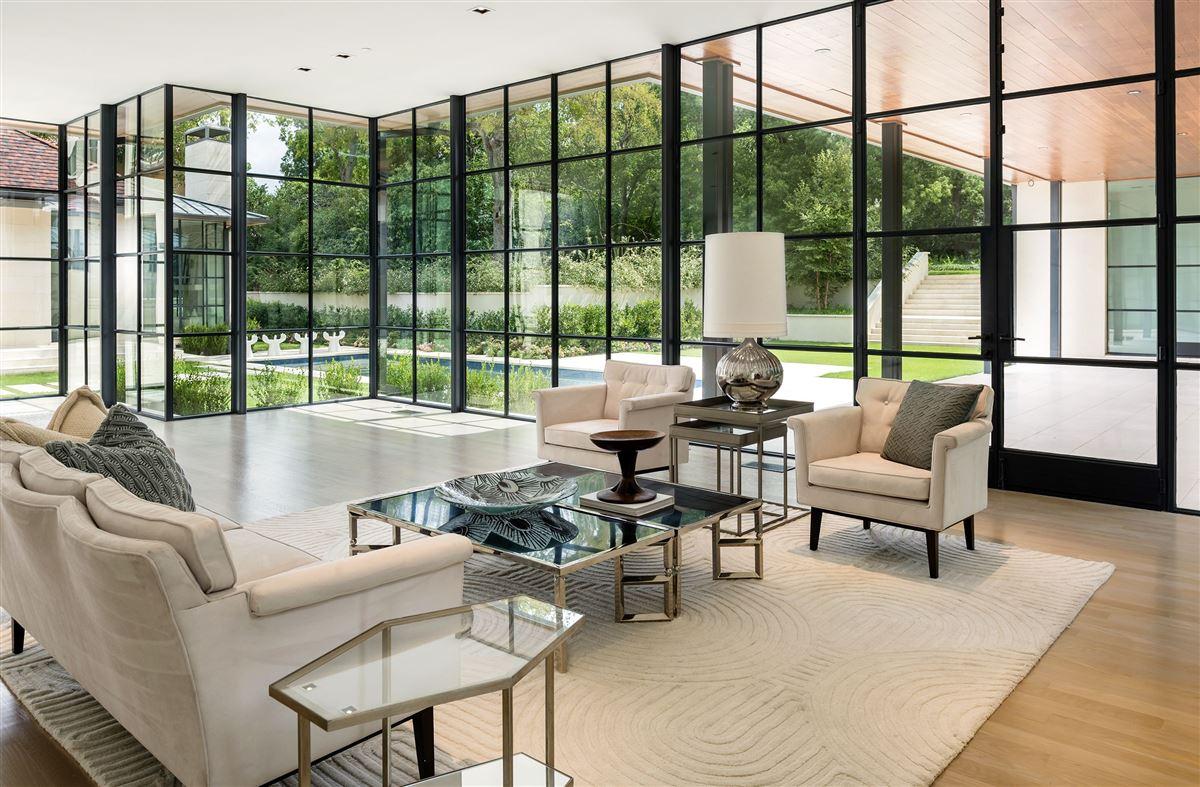 premier luxury living in Old Preston Hollow luxury real estate
