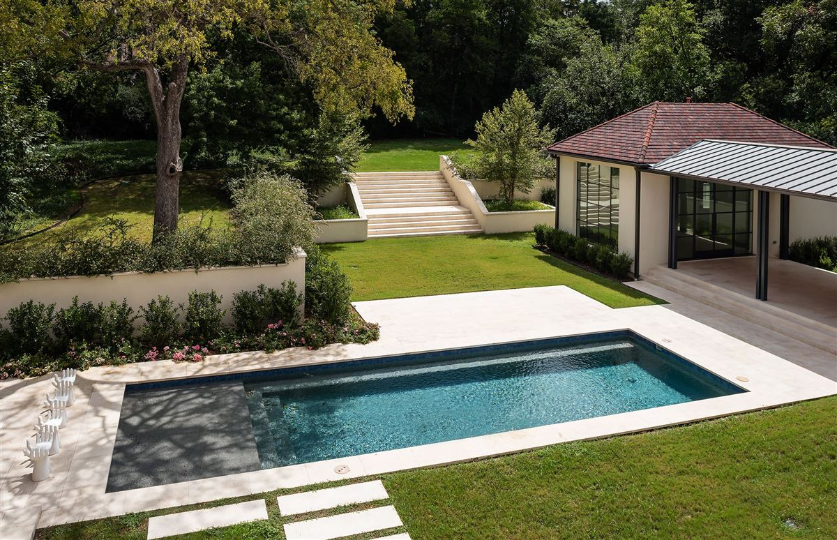 Luxury homes premier luxury living in Old Preston Hollow