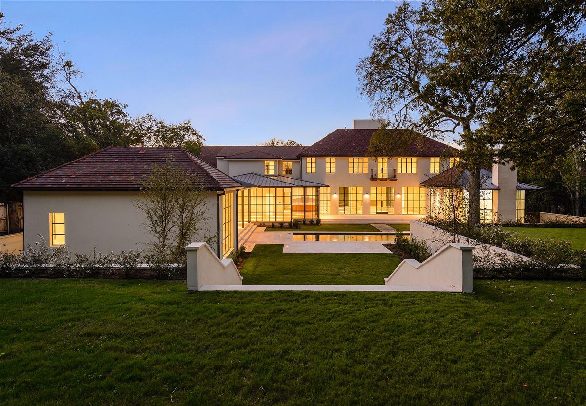 Luxury real estate premier luxury living in Old Preston Hollow