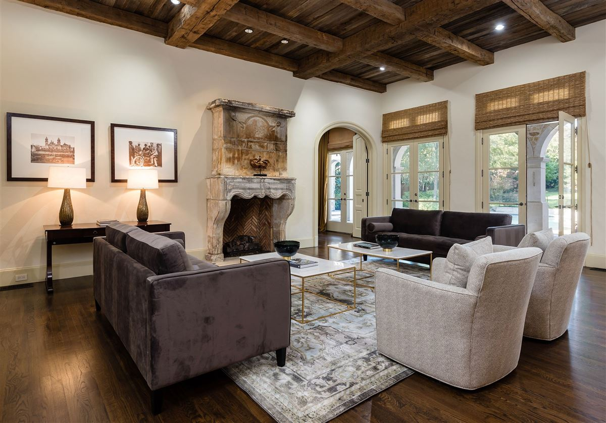 Authentic Italian villa luxury real estate
