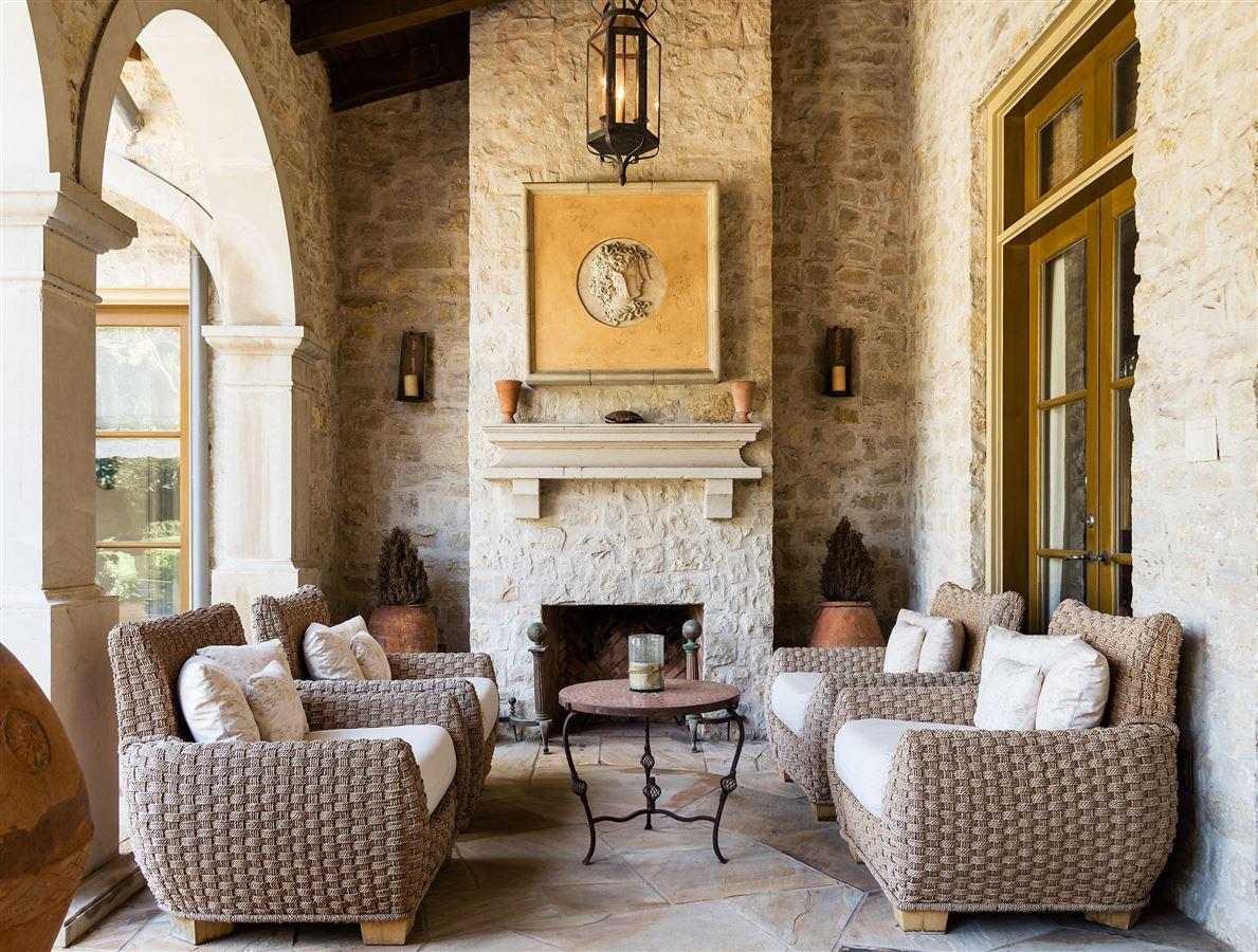 Authentic Italian villa mansions