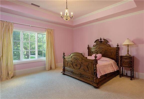 Luxury real estate impressive residence in quiet Lobello Estates