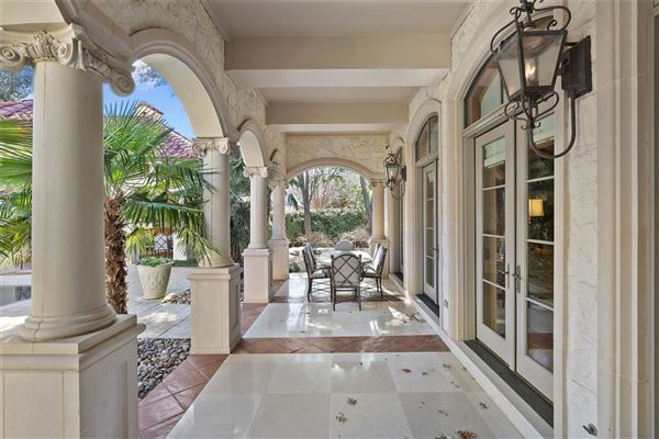Mansions in private resort in coveted Lake Forest