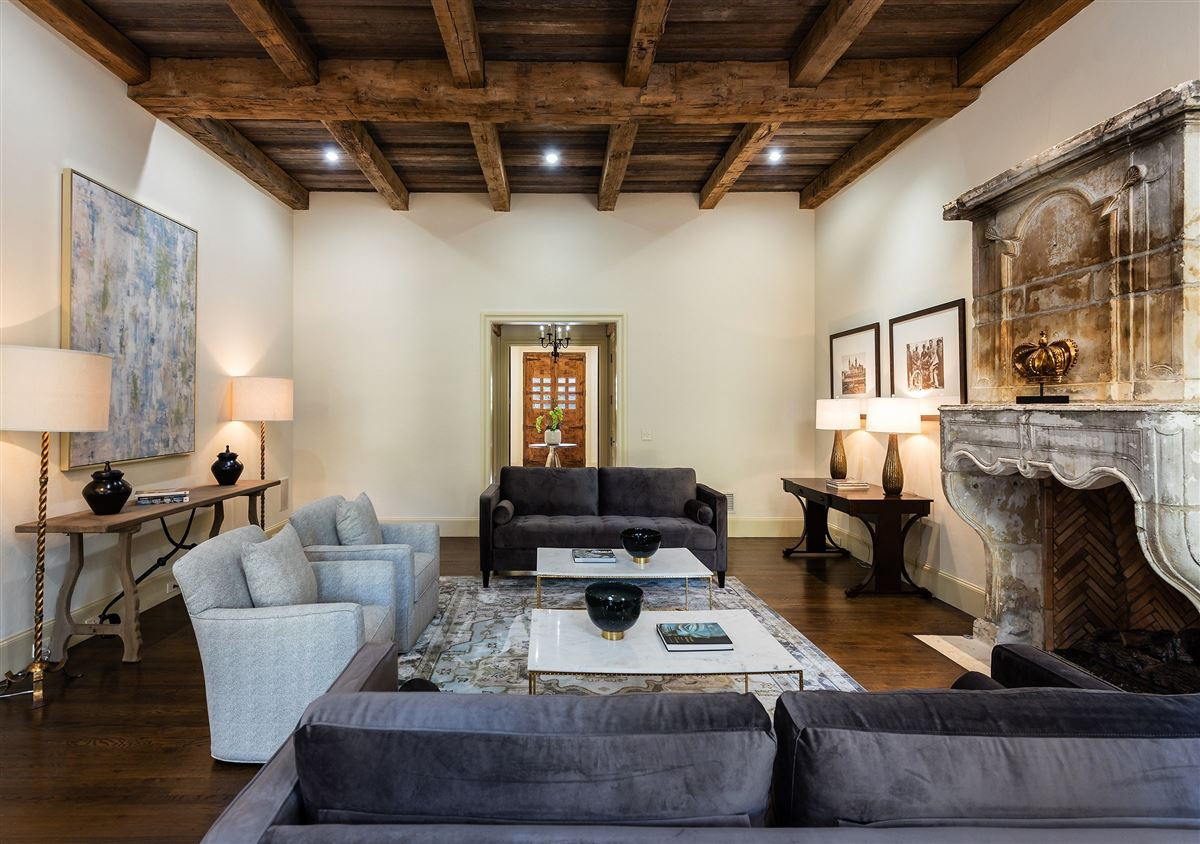 Luxury properties Authentic and exceptional Italian villa
