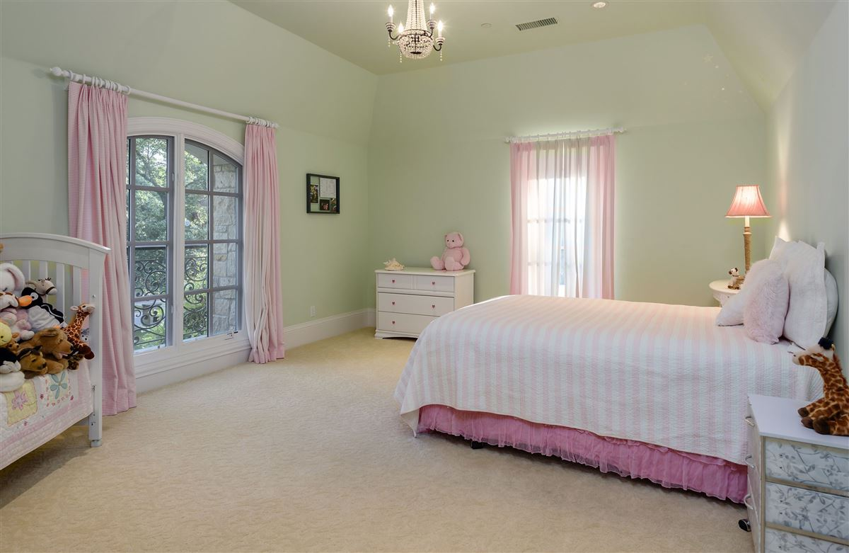 Country French Manor in Lobello Estates luxury properties