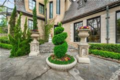 R.L. Thorntons Chateau Des Grotteaux luxury homes
