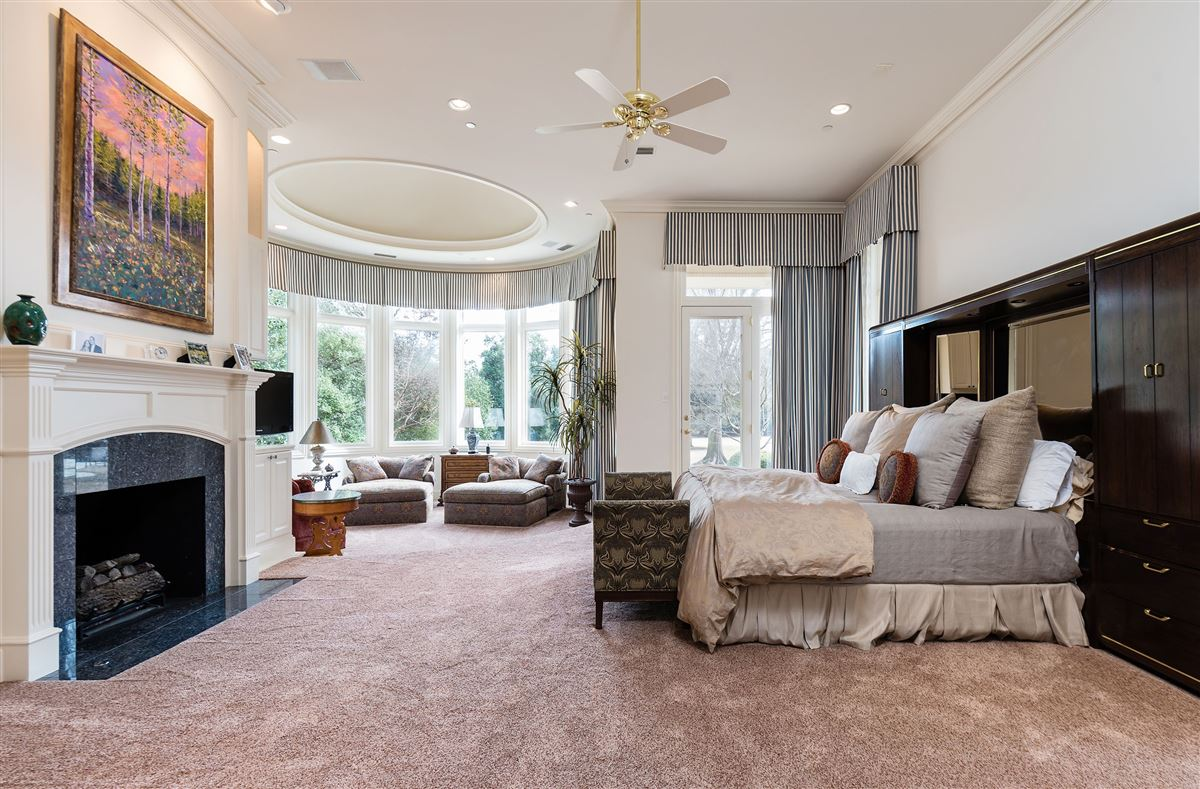 gorgeous gated two-acre property luxury real estate