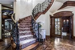 elegance and comfort in coveted Los Arboles mansions