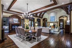 Luxury homes in elegance and comfort in coveted Los Arboles