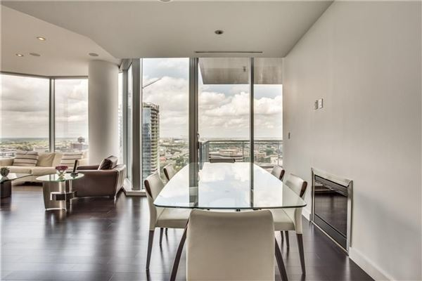 expansive views of beautiful sunsets luxury homes