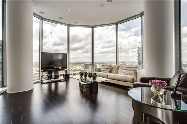 expansive views of beautiful sunsets luxury real estate