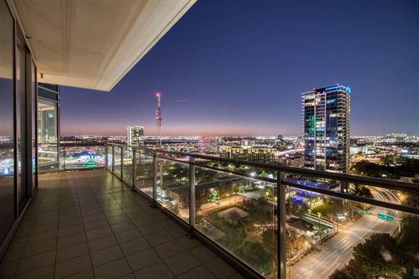 Luxury properties expansive views of beautiful sunsets