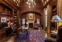 Mansions in impressive residence in quiet Lobello Estates