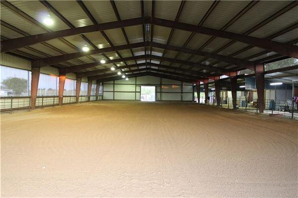 Luxury real estate 25 acre equine estate