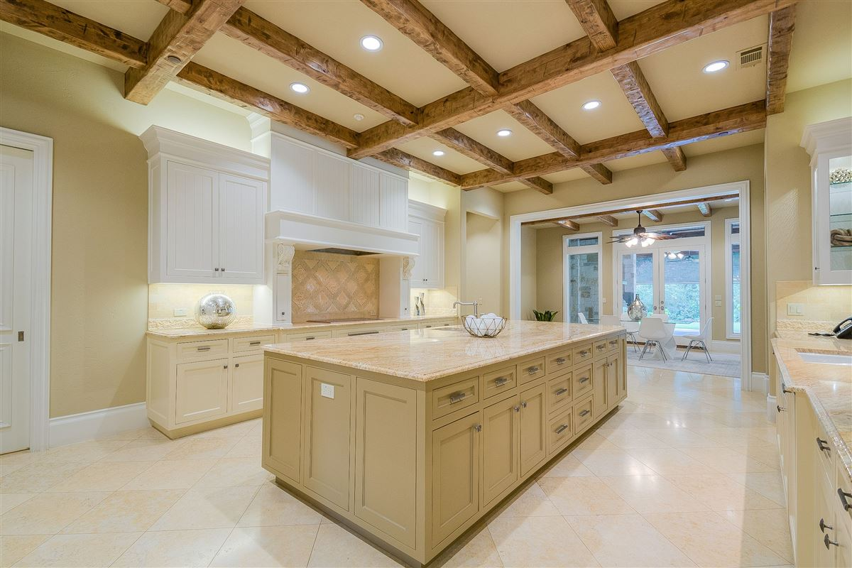 Custom-built Hill Country estate  luxury real estate