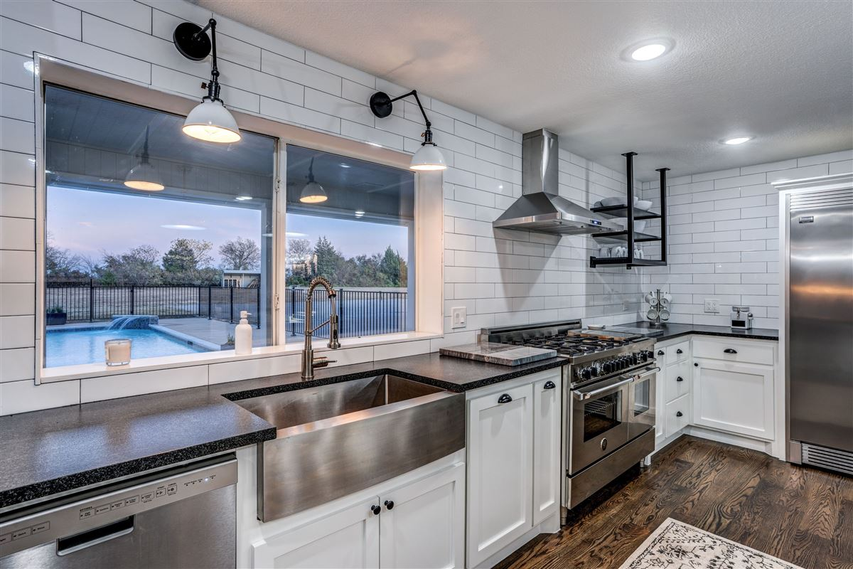 Luxury homes in Contemporary farmhouse in Sunnyvale awaits you