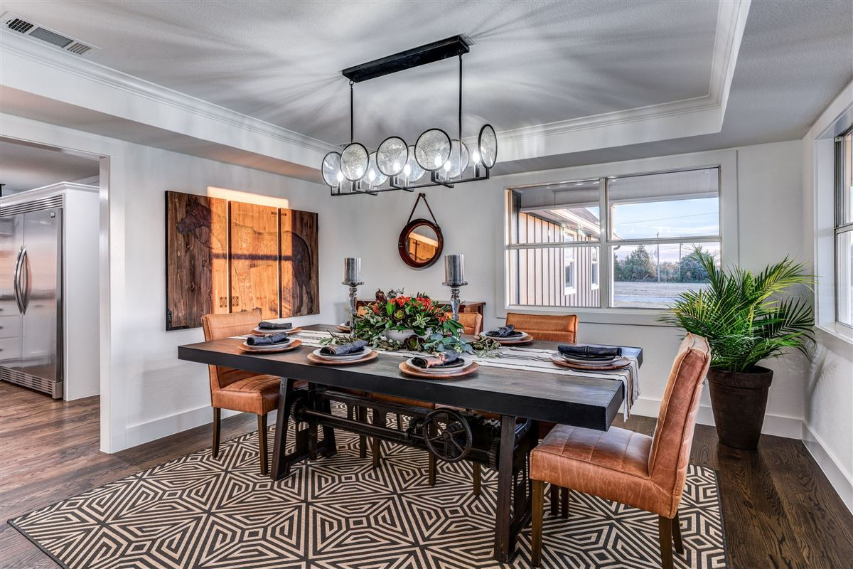 Mansions in Contemporary farmhouse in Sunnyvale awaits you