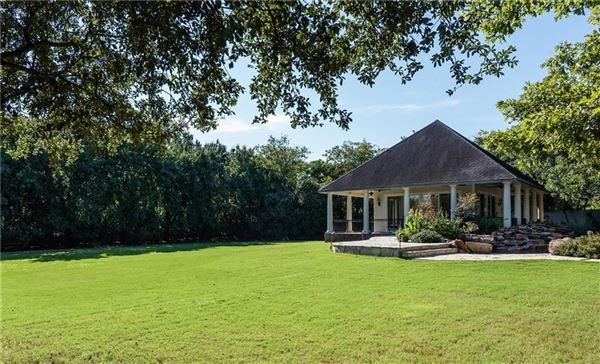 a two acre gated estate luxury homes