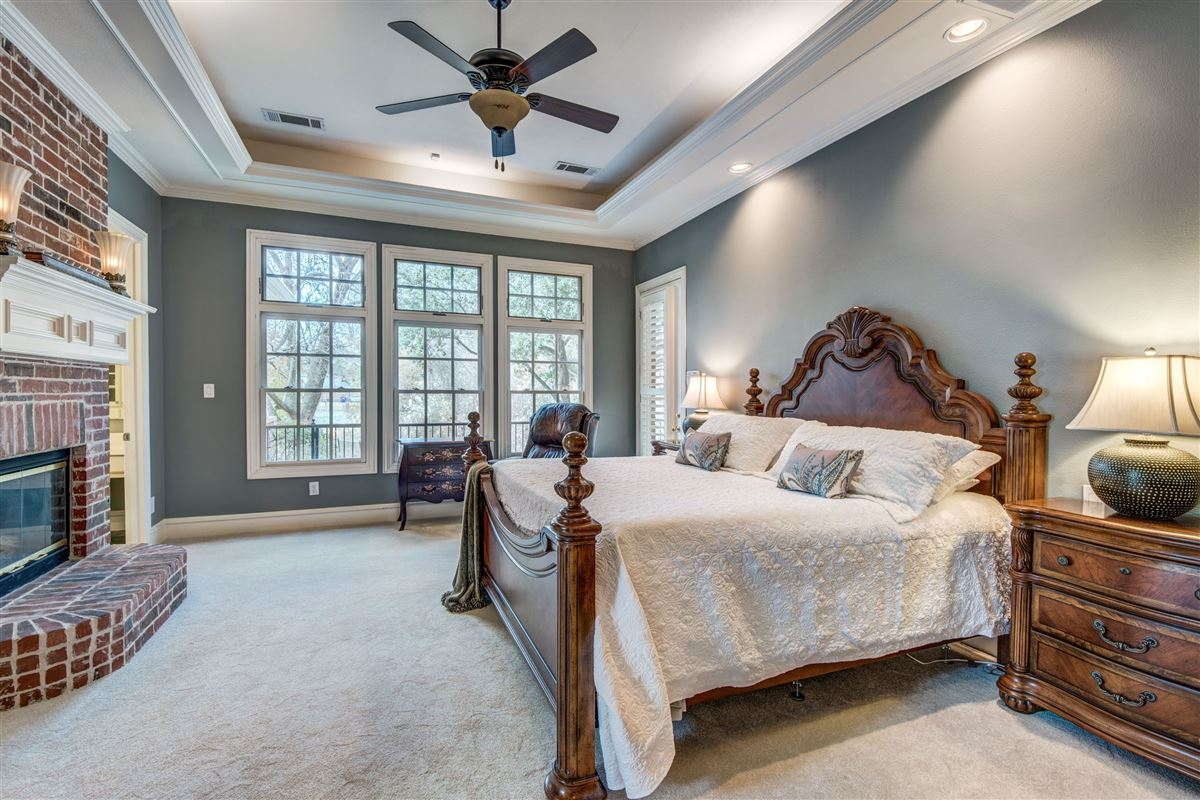 Mansions Spacious home in Farmers Branch