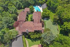 Santa Barbara or Italian countryside living in the city luxury properties