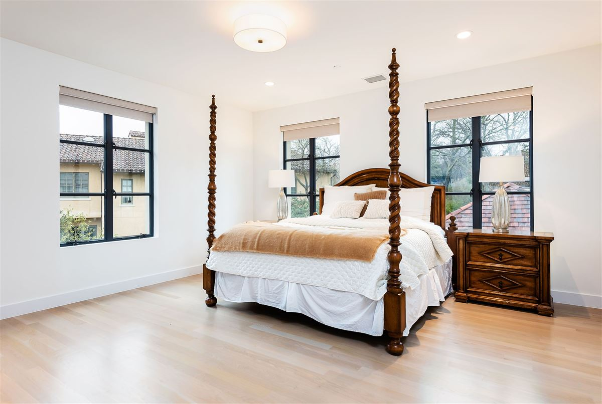 Luxury homes in the utmost in luxury living
