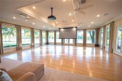 Luxury real estate luxury estate property