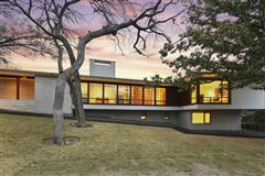 Mansions meticulously designed modern luxury home