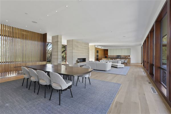 meticulously designed modern luxury home mansions